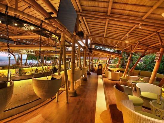 nội thất tre trúc nhà hàng âu